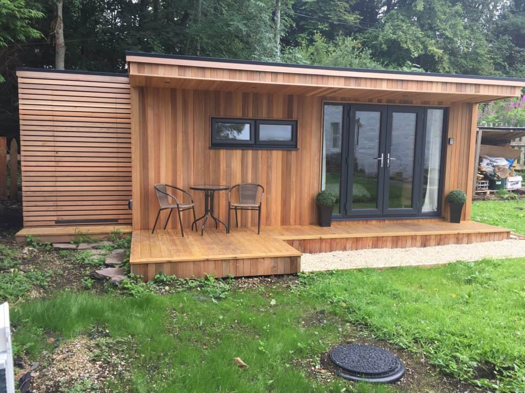 Garden room with storage