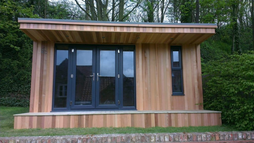 Front view of an insulated garden room/summerhouse canopy room