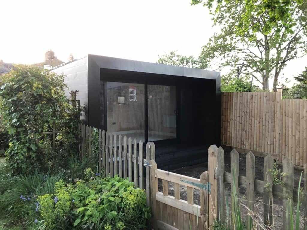 lean to garden room or freestanding summer house