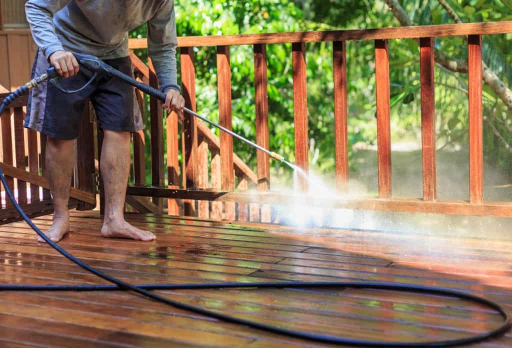 How to clean summer garden buildings: Pressure wash