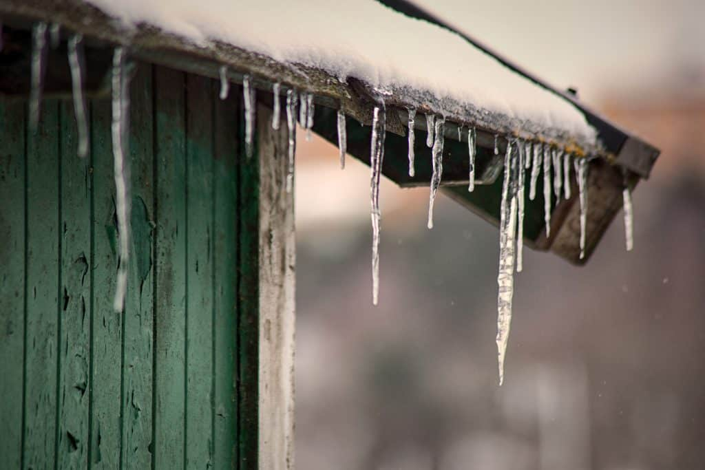 how to insulate a garden shed