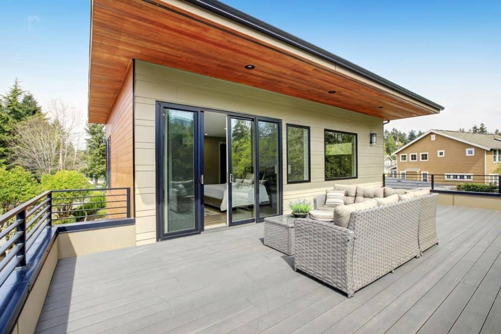 freestanding summer house or lean to garden room