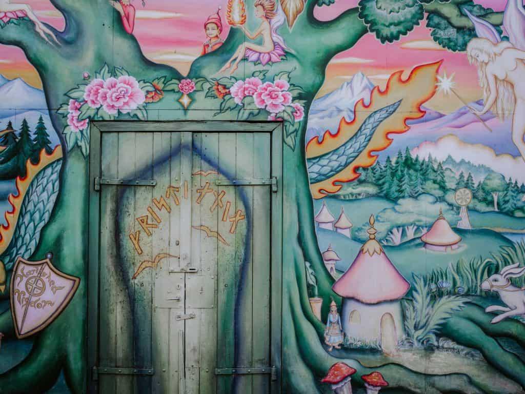 Outdoor Wall Murals For The Garden Why Not Diy It
