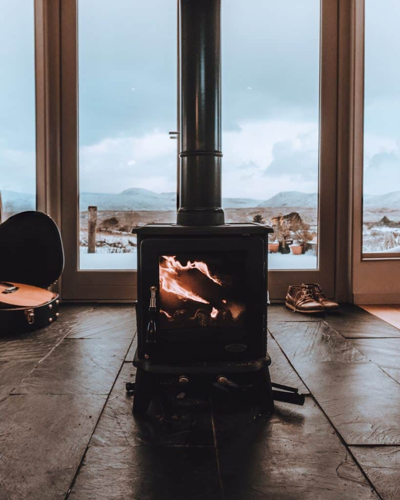 How To Create A Warm And Cosy Feel In Your Garden Room